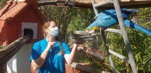 Les soigneurs du zoo de fréjus