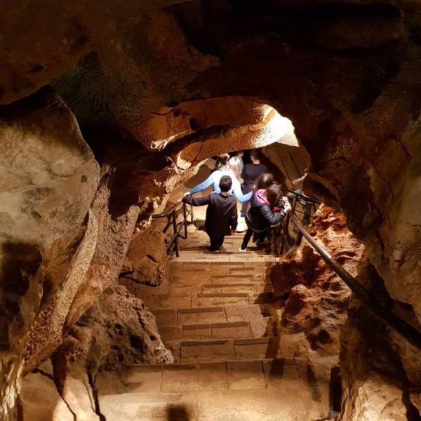 Entrée de la grotte de Saint Cézaire