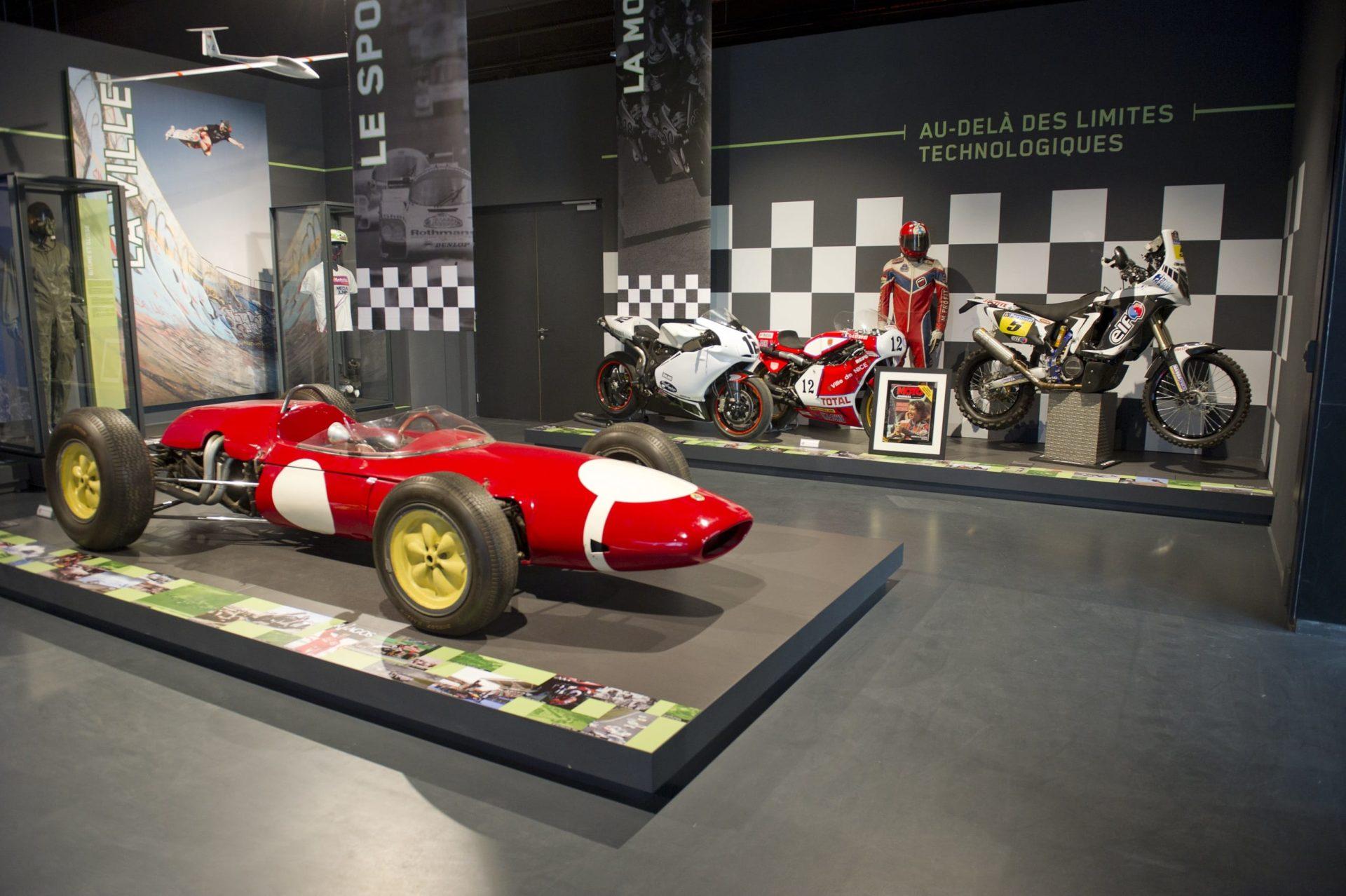 Voiture du Musée national du sport