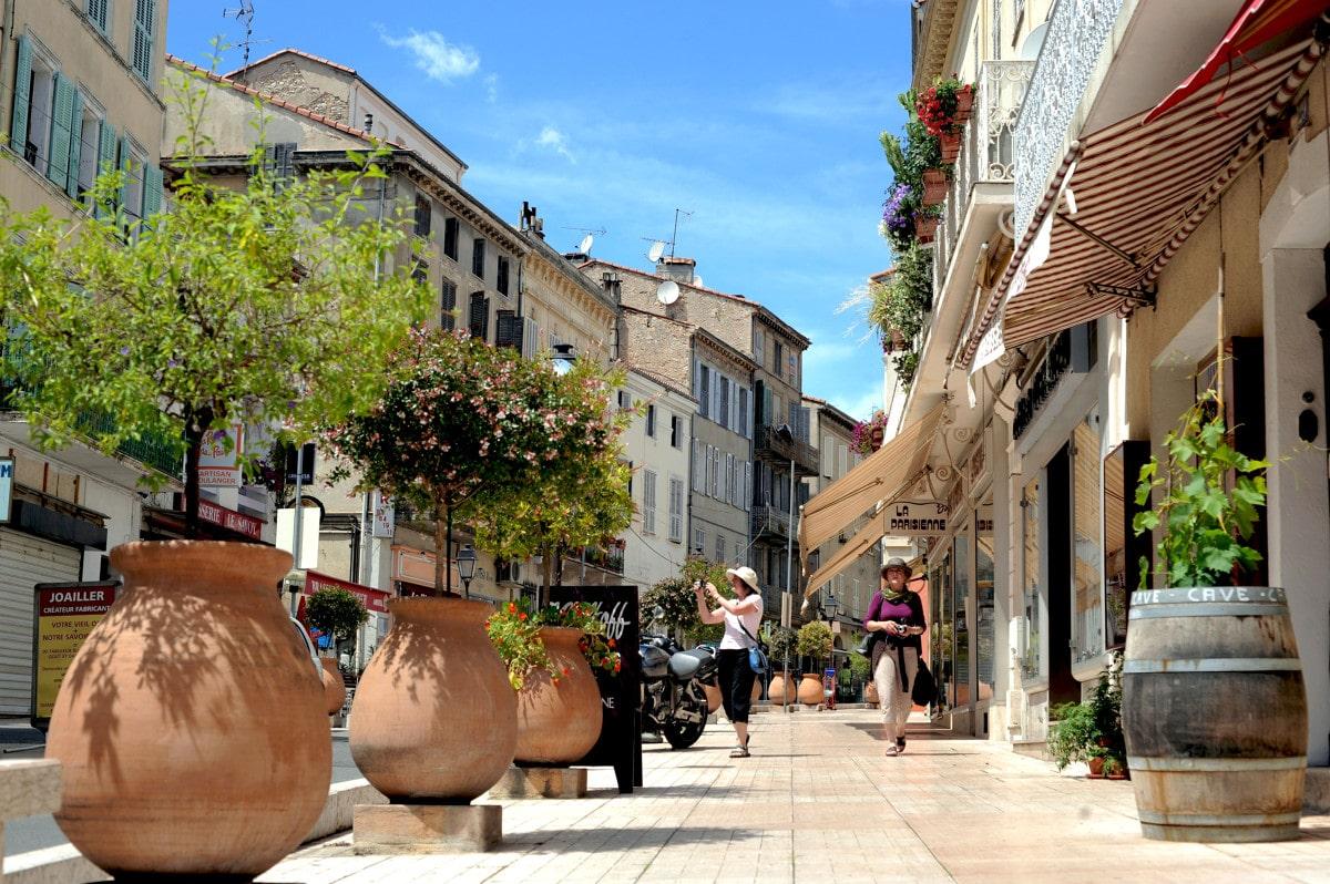 Rue des Potiers Vallauris - © CRT Côte d'Azur France/ Anaïs BROCHIERO