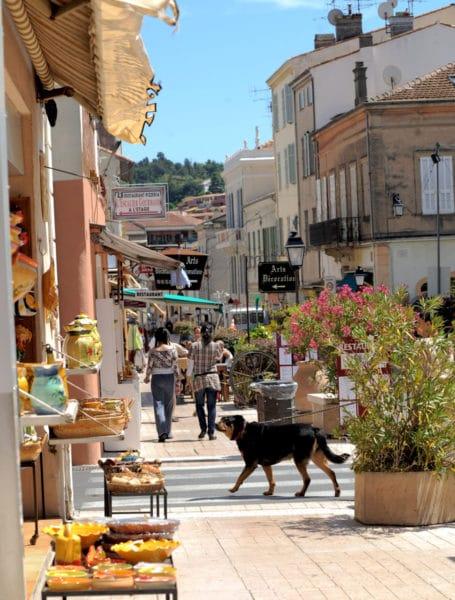 Rue des Potiers Vallauris - CRT Côte d'Azur France/ Anaïs BROCHIERO