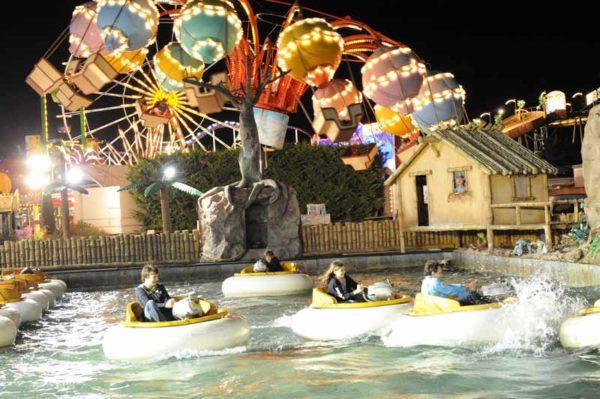 Attrazioni divertenti al Parco Azur la sera