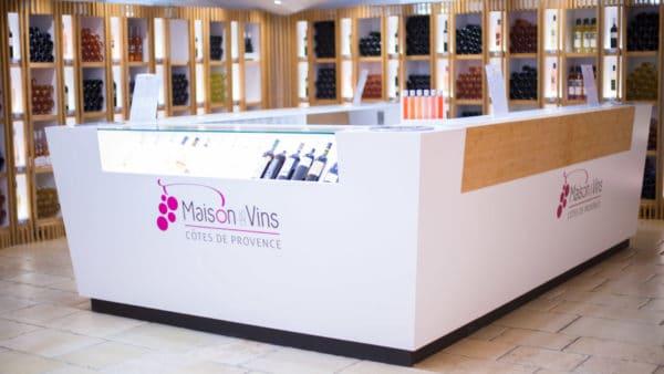 La boutique avec de la Maison des Vins de Provence