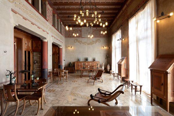 Bibliothèque meublée de la Villa Kérylos