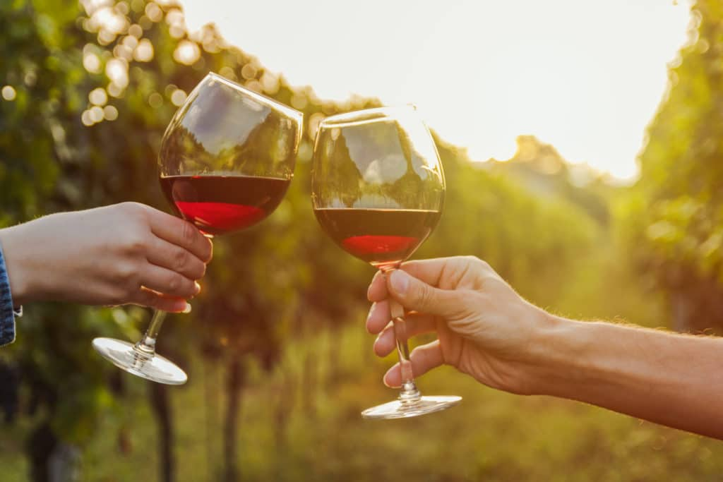 iStock - vin entre amis Château de Bellet
