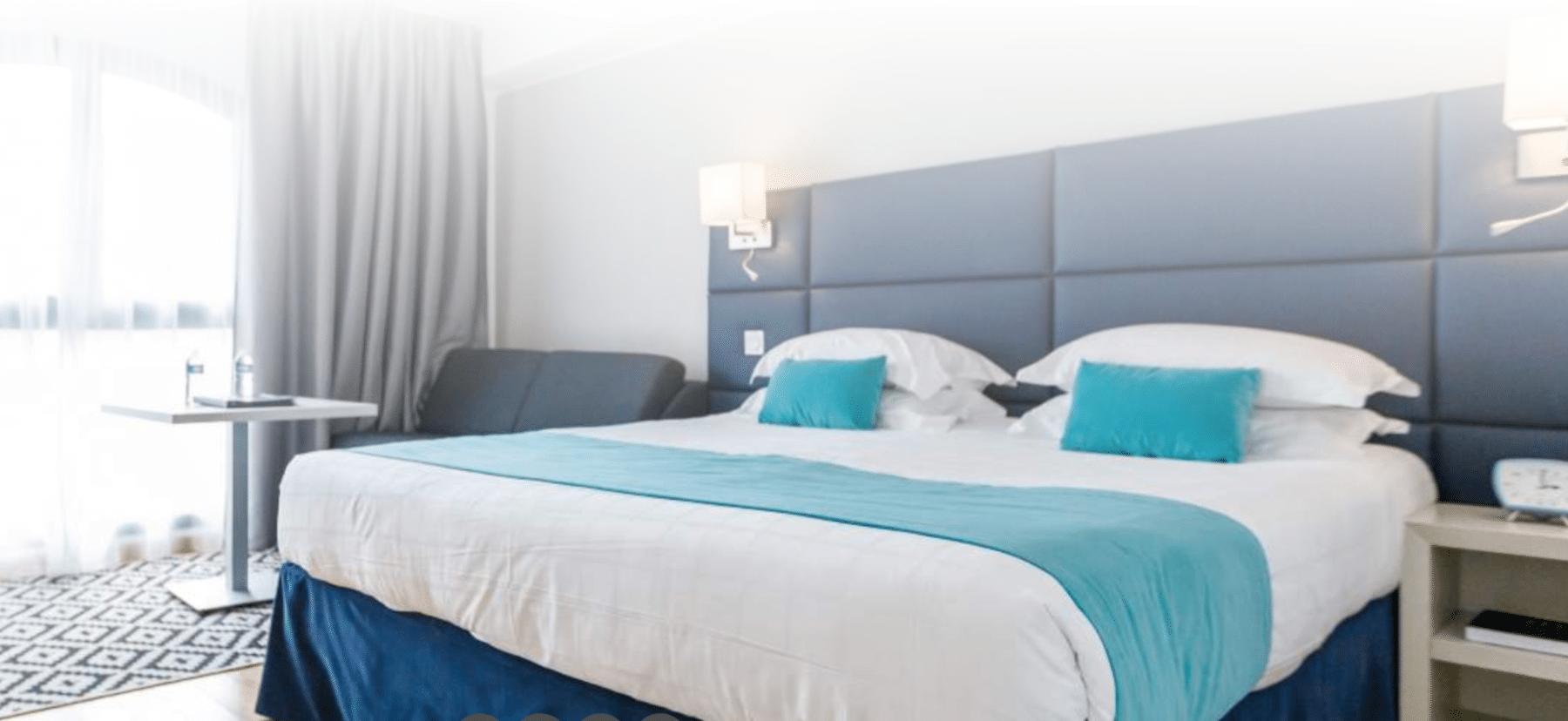 Photo d' une des chambres de l' hotel nice riviera