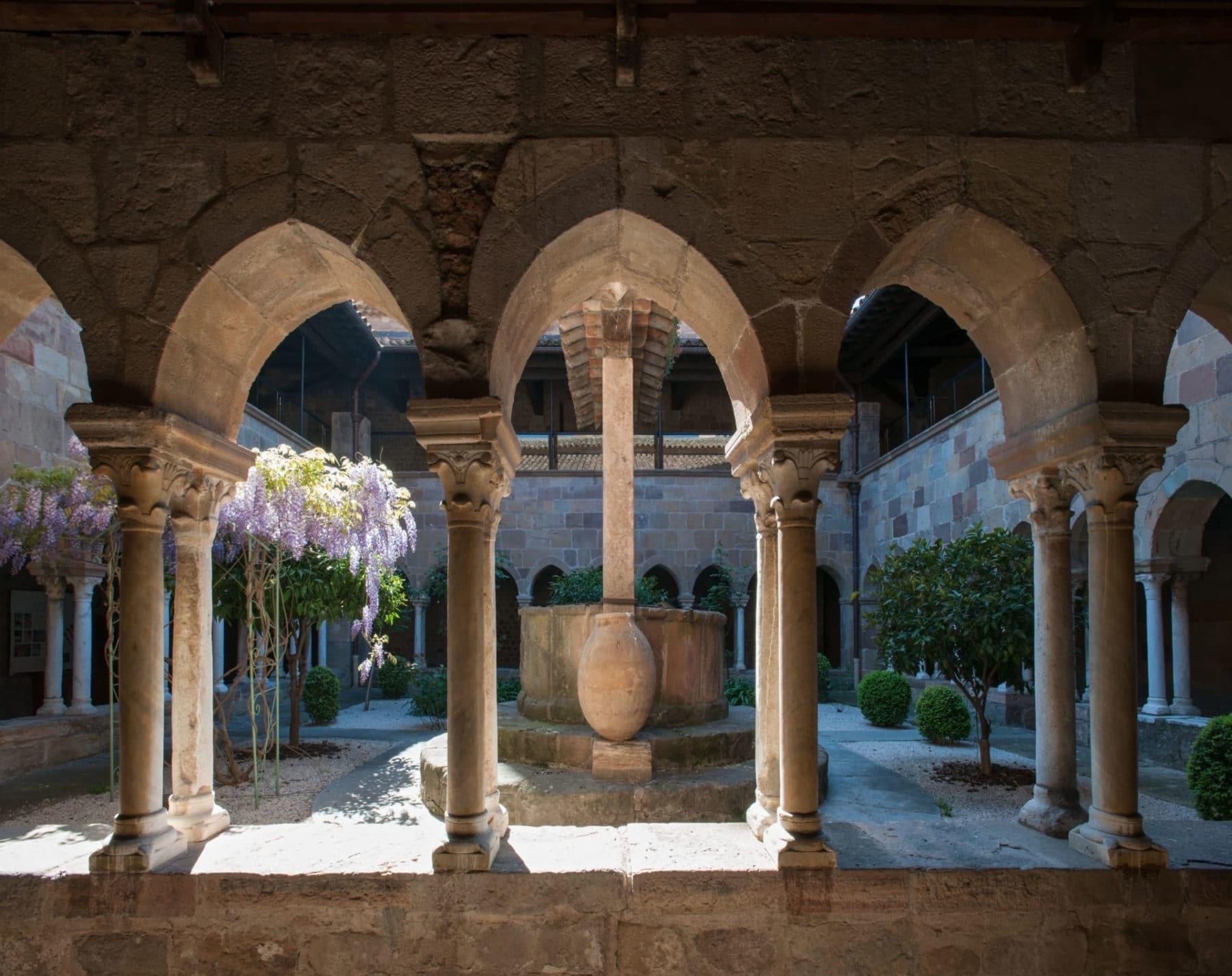 Cathédrale Saint-Léonce de Fréjus, cloître Crédit photo Frejus_Phiilppe-Berthe-