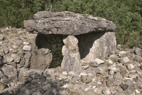 Dolmens situés au souterroscope