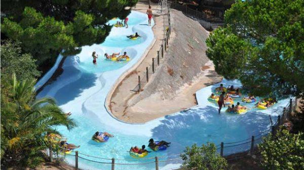 Aqualand Saint-Cyr och dess lekplatser