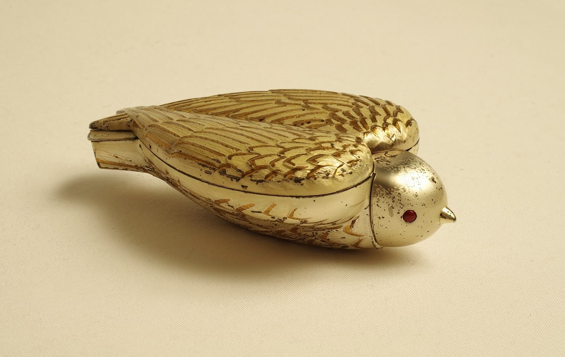 Pulvermagasinet Bird in Hand, Dali, Elgin America, La poudre de beauté et ses écrins