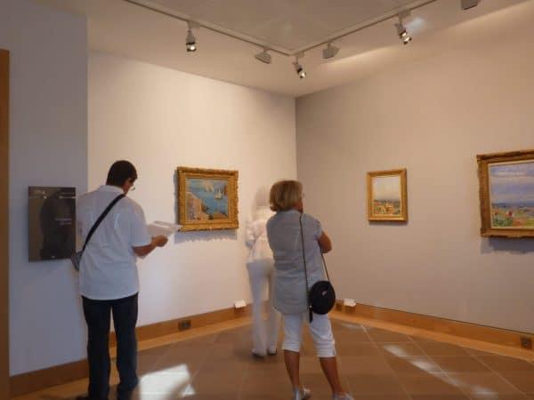 Devant les tableaux Pierre Bonnard © Musée Bonnard